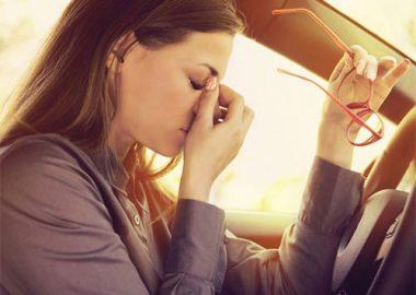 خواب آلودگی هنگام رانندگی : علت ها و روش های مقابله با آن