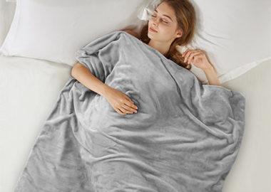آیا لحاف سنگین به بهتر شدن خواب افراد کمک می کند؟